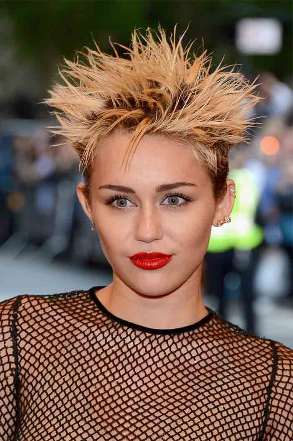 Miley Cyrus New Hairstyle 2018Miley Cyrus New Hairstyle 2018