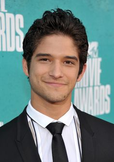 Tyler Posey New Hairstyle