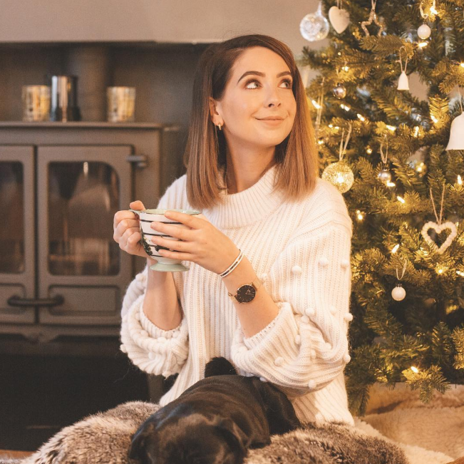 Zoe Sugg 2020 With New Hair cut