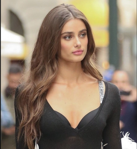 Taylor Hill's New Hair 2020