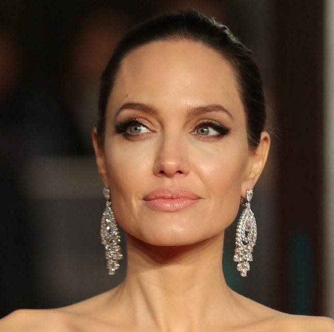 Angelina Jolie New Hairstyle